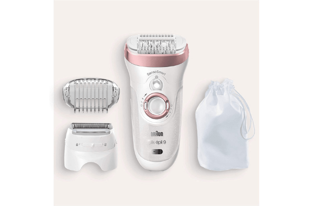 image of the silk epil 9 packaging with the epilator, attachments and travel pouch